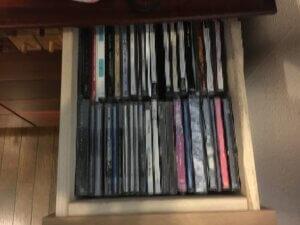 ビフォーアフター 片付け後 引出しの中 CD
