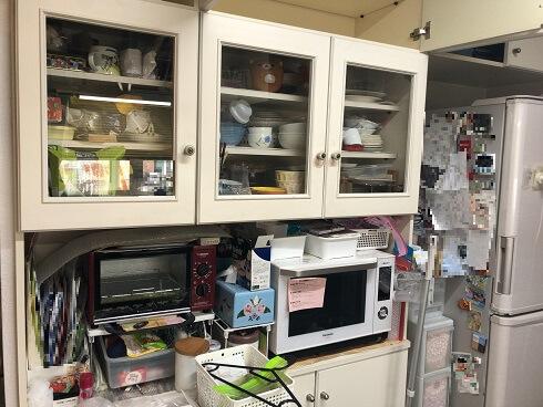 ビフォーアフター キッチン 食器棚 片付け前