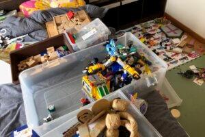 ビフォーアフター おもちゃ 分類作業中
